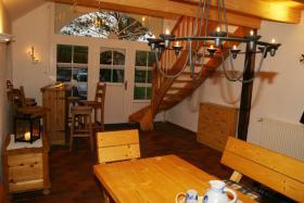 Foto 10 grosses-ferienhaus-ferienwohnungen -nordsee-friesland-ostfriesland familien-reisegruppen bis 34 personen