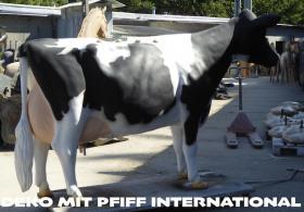 Foto 5 hast du schon mal milch gemolken ? so richtig aus deinen deko Melk Kuh lebensgross …?