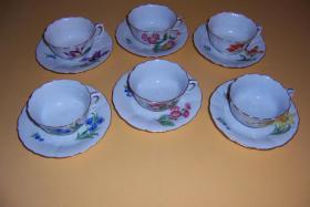Foto 3 meissner 1920 Tassen u.Untertassen 6 verschiedene Blüten Goldrand