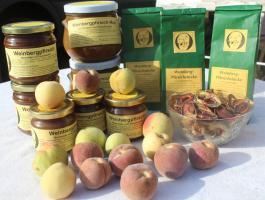 Foto 4 rotfleischiger Weinbergpfirsich, einheimische leckere Pfirsich-Früchte