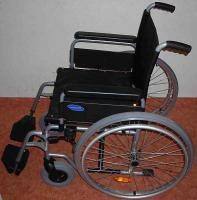 Foto 2 sehr leichter Rollstuhl zum Falten