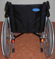 Foto 3 sehr leichter Rollstuhl zum Falten