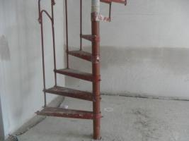 Foto 2 stahlspindel treppe  zum selbstaufbau