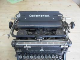 Foto 2 uralte SCHREIBMASCHINE Continental, 1940er Jahre?