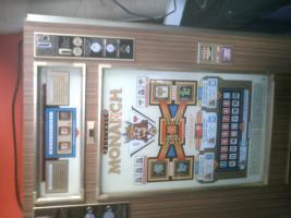 Foto 2 uralter Geldspielautomat ca 40 Jahre alt von ROTOMAT