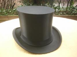Foto 6 uralter zylinder mit schachtel