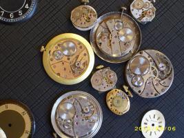 Foto 3 verschiedene Uhrwerke die noch laufen HAU + DAU