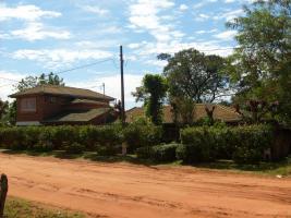 voll möbiliertes 320qm Traumhaus in Independencia (Paraguay) zu verkaufen