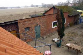Werkstatt mit Blick auf die Elbe